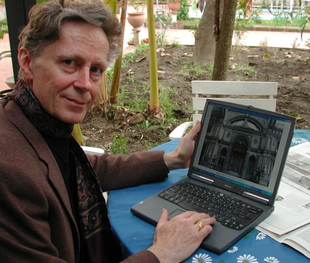 Retrato de Derrick de Kerckhove tomado de nbs.com